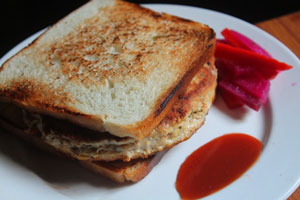 Cheese-and-chicken-patty-sandwich